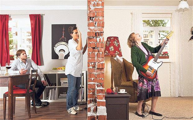 Как выселить шумных соседей, как добиться выселения соседей алкоголиков и дебоширов, можно ли выселить шумных квартирантов соседей