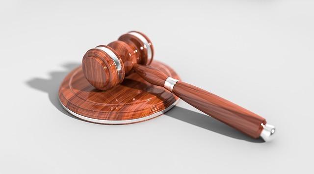 Судебная практика по земельным спорам между соседями: особенности подобных прений и о формате их проведения