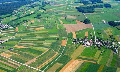 Какие земли включают в себя сельскохозяйственные угодья, и как грамотно изменить их категорию