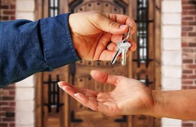 Отличается ли чем-то найм от аренды жилого помещения