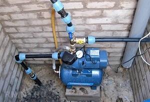 Слабый напор воды в квартире: что делать, возможные причины, способы устранения
