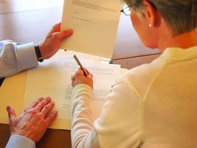 Приобретение жилья по договору дарения, оформление дарственной на квартиру, как оформить документы правильно