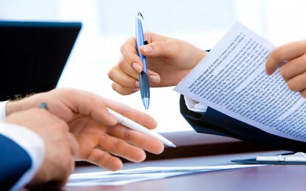 Правовые нормы и правила прописки в месте фактического проживания.