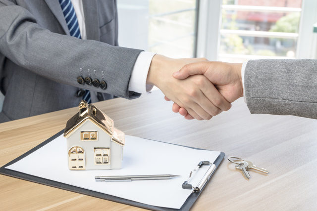 Можно ли оформить недвижимость на несовершеннолетнего ребенка, юридический механизм оформления недвижимости детям