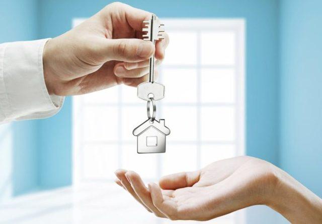Нужно ли выписываться при продаже квартиры бывшему хозяину, в какие сроки желательно это сделать