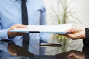 Какой документ подтверждает право собственности на квартиру, содержание правоустанавливающего документа, особенности получения