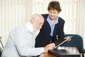 Сколько стоит вызвать нотариуса на дом: льготы на нотариальные услуги, условия вызова нотариуса
