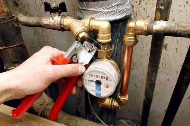 Кто пломбирует счетчики воды: сроки и стоимость данной процедуры