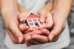 Выписка ребенка из квартиры при продаже в случае, если ребенок прописан в квартире или является ее собственником